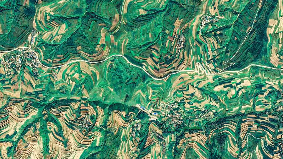 Google Earth just released 1,000 beautiful wallpapers you can download for free