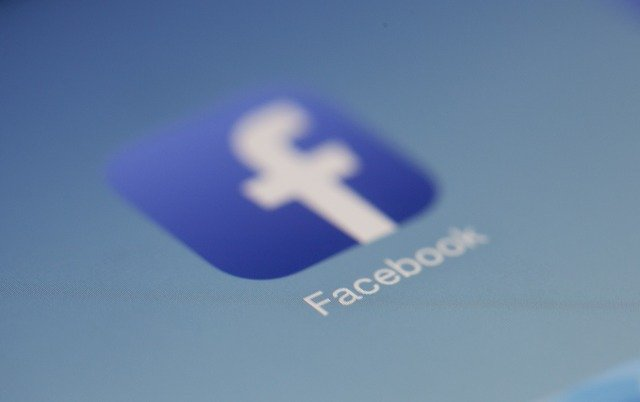 Facebook can now track scammers in its messaging app